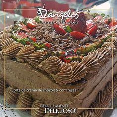 Un #FelizLunes y que tu semana sea productiva y #SencillamenteDeliciosa como esta Torta de crema de #Chocolate y crema pastelera con relleno de trozos de chocolate y fresas.  #Guayana  #puertoordaz  #gastronomía  #gourmet  #cafe  #desayuno  #almuerzo  #cena  #postres  #catering  #cumpleaños  #bodas #desserts  #tortas  #pasteles  #cake  #instafood  #sweet  @dangeloscafe