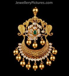 Jewelry OFF! Antique Pendants - Page 2 of 4 Latest Indian Jewelry - Jewellery Designs Gold Temple Jewellery, Silver Jewellery Indian, India Jewelry, Gold Jewellery Design, Bridal Jewellery, Silver Jewelry, Silver Rings, Gold Pendent, Clean Gold Jewelry