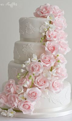 Rosa Kaskaden-Hochzeitstorte - cakes and cupcakes - Cake Toppers! Beautiful Wedding Cakes, Gorgeous Cakes, Pretty Cakes, Elegant Wedding Cakes, Pink Wedding Cakes, Wedding Cupcakes, Elegant Cakes, Purple Wedding, Gold Wedding