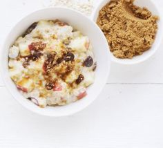 Apple & sultana porridge. A low-fat breakfast of warm oats and fruit that starts the day in a nutritious and filling way.