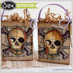Skull Blueprint Treat Bags with Sizzix Halloween Treat Bags, Cute Halloween, Halloween Cards, Halloween Stuff, Halloween Projects, Halloween 2014, Halloween Decorations, Crackle Painting, Ink Splatter
