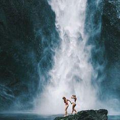summer, waterfall, and friends kép