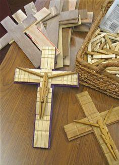 Roberta's Random Ramblings ... Art ... Assemblages ... and Stuff ...: Sunday School Art Crosses - Pinning Our Hope on Christ