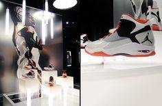 sale retailer 30d0e bcf44 Floating Shoe Display - Fly Wade - Nike - Crack