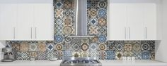 Liven up your space with these remarkable arabesque tiles of Moroccan inspiration. With the MARRAKESH series, a simple wall will become a work of art! Kitchen Reno, Kitchen Backsplash, Kitchen Remodel, Kitchen Ideas, Motif Arabesque, Design Your Own Home, Style Tile, Marrakesh, House And Home Magazine