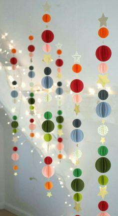 Image of Guirlande multicolore Christmas Colors, Christmas Crafts, Christmas Decorations, Christmas Ornaments, Noel Christmas, Decoration Creche, Paper Decorations, Paper Garlands, Origami Decoration