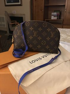 1410e0fc5d02 787 Best Louis Vuitton Love  3. images in 2019