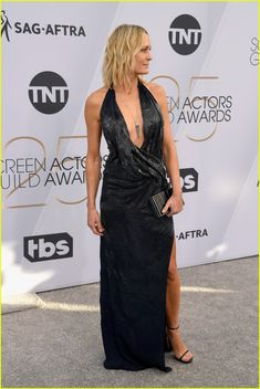 db4985383780 Robin Wright Hits the Red Carpet at SAG Awards Photo Robin Wright is  looking chic on the red carpet!