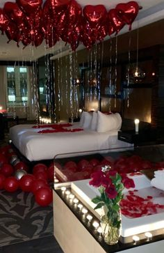 Wedding Night Room Decorations, Romantic Room Decoration, Birthday Room Decorations, Romantic Bedroom Decor, Surprise Party Decorations, Wedding Bedroom, Balloon Decorations, Table Decorations, Romantic Room Surprise