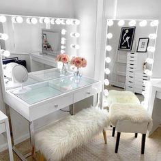 Vanity Sofia Espejo Grande - Imacril - New Ideas Room Design Bedroom, Girl Bedroom Designs, Room Ideas Bedroom, Home Room Design, Beauty Room Decor, Makeup Room Decor, Pinterest Room Decor, Dressing Room Design, Dressing Table