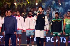 Hrithik Roshan, the Indian film actor singing the National Anthem at the Pro Kabaddi League finale was applauded and appreciated.
