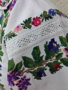 Cross Stitch, Costumes, Blanket, Crochet, Ideas, Cross Stitch Art, Dots, Punto De Cruz, Dress Up Clothes