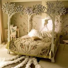 """Romantic four """"poster"""" bed"""
