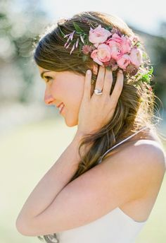 #Wedding #Hairstyles to Sweep You Off Your Feet. To see more: www.modwedding.com