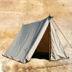 http://www.backtohistory.com (German) Website selling reproduction Medieval tents and gear and and and ...