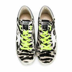 Golden Goose - Sneaker Zebrata Girl - Scarpa sportiva bassa modello Super Star zebrata firmata Golden Goose, vero Made in Italy della Collezione A/I 2017/18 - Linea di calzature Bambina e Teen. #annameglioBTQ #shoponline #GGDB #goldengoose #sneakers #madeinitaly #fashion #look #luxury #shoes #scarpe #donna #ai17-18 #fw17-18