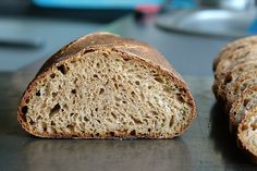 Paine integrala 50% – 50 Percent Whole-Wheat Levain