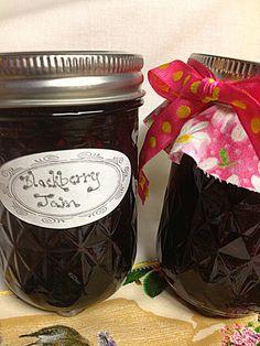 fresh juniper: Blackberry Jam - Fresh Berry Recipe and Hot Water Bath Canning tutorial