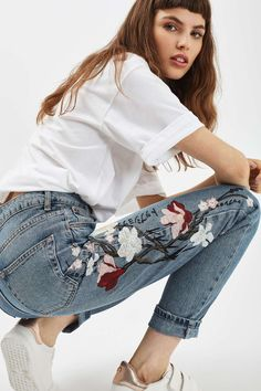 MOTO Floral Embroidered Mom Jeans - New In- Topshop USA