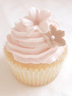 Such a pretty cupcake!