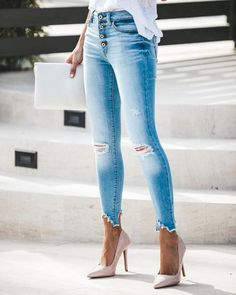 New Jeans Outfit Casual denim fashion pink cargo pants Outfit Jeans, Lässigen Jeans, Mode Jeans, Frayed Hem Jeans, Ankle Jeans, Mens Casual Wedding Attire, Smart Casual Attire, Casual Jeans, Dress Slacks For Women