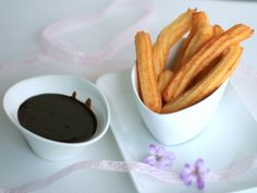 I can't wait to try these churros! Chocolate Lovers, Chocolate Recipes, Chocolate Fondue, Chocolate Chocolate, Churros, French Toast, Tasty, Canning, Breakfast