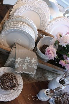 StoneGable: Farm Table Buffet! Wednwsday June 1, 2011 - Old toolbox, Ironstone and peonies! Love this!