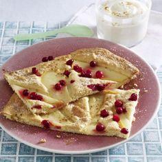 Leichter Ofen-Pfannkuchen mit Vanillecreme Rezept | LECKER