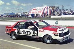 Peter Brock / Jim Richards - Holden VC Commodore - Holden Dealer Team - Hardie-Ferodo 1000 Bathurst 1980 - Non Championship race Australian Muscle Cars, Aussie Muscle Cars, Holden Muscle Cars, V8 Supercars, Holden Commodore, Old Race Cars, Vintage Racing, Hot Cars, Touring