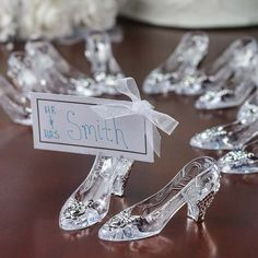 Amazing 50+ Beautiful Cinderella Wedding Ideas https://weddmagz.com/50-beautiful-cinderella-wedding-ideas/