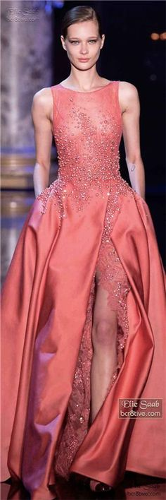 Elie Saab Fall Winter Haute Couture Fashion and Designer Style Style Couture, Couture Fashion, Runway Fashion, Beautiful Gowns, Beautiful Outfits, Elegant Dresses, Pretty Dresses, Traje Black Tie, Looks Party