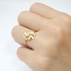 Gold leaf ring by laonato on Etsy