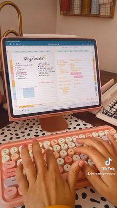 Ipad Hacks, School Organization Notes, Study Room Decor, Ipad Accessories, Kawaii Room, School Study Tips, Cool Gadgets To Buy, Gamer Room, Ipad Art