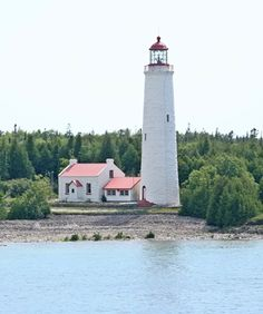 Cove Island Lighthouse, Ontario Canada at Lighthousefriends.com Bass Harbor Lighthouse, Lighthouse Lighting, Manitoulin Island, Rocky Shore, Lake Huron, Pillow Ideas, Light House, Outdoor Games, Houses