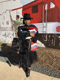 Black with splashes of color made up this look. Funky Fashion, Womens Fashion, Stylish Hats, Queen, Girl Blog, Hats For Women, Black Girls, Frocks, Color Splash