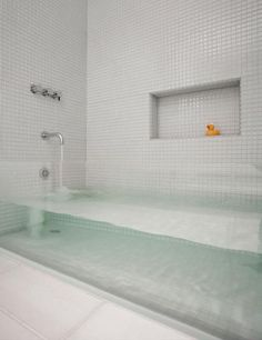 sternmccafferty custom glass bathtub - contemporary - bathroom - boston - by Stern McCafferty. Love this tub! Glass Bathtub, Deep Bathtub, Glass Shower, Custom Glass, Beautiful Bathrooms, Luxurious Bathrooms, Home Interior Design, Kitchen Interior, Modern Bathrooms