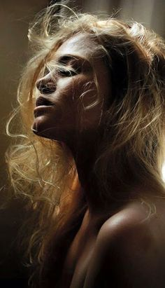 ♥¸.•*¨*★☆☾doces ღ☆ღ beijinhos ☾☆★¸.•*¨* ♥ ♥ ☆★☆ Com amor da Nini ☆★☆ ♥  ♥ ┊☆┊☆┊☆┊ ♥ Nada nessa vida é válido, só pensamos que é, mas sempre me deparo com dor e decepção, cansei de buscar uma verdade, não tem, as pessoas perderam o respeito pelo próximo em busca se sua satisfação pessoal, não importa se outros vão sofrer ou se magoar, tudo é uma grande farsa uma brincadeira de gente grande sem escrúpulos, muitas vezes me deu vontade de desistir da vida, mas quando estou lúcida vejo que seria…