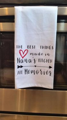 Kitchen Towels Farmhouse Towel Flour Sack Towel Nana Gigi Mimi Grandma Mama - H. Kitchen Towels Farmhouse Towel Flour Sack Towel Nana Gigi Mimi Grandma Mama – Hand Towels – Id Vinyl Crafts, Vinyl Projects, Ux Design, Flour Sack Towels, Flour Sacks, Christmas Towels, Kitchen Humor, Dish Towels, Diy Tea Towels