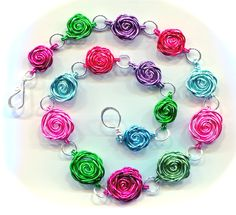 Cabbages & Roses Wire Wrapping Tutorial / WireWorkers Guild  Found on wireworkersguild.blogspot.co.uk