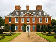 22 Places In The UK That Are A Must-See For Jane Austen Fans. The house at Squerryes Court was appeared as Hartfield in the BBC's TV adaptation of Emma. The house and gardens are open to visitors, and you can get married there if yo Jane Austen, English Manor Houses, English House, Georgian Architecture, English Architecture, Georgian Homes, Old Houses, Beautiful Homes, Beautiful Places