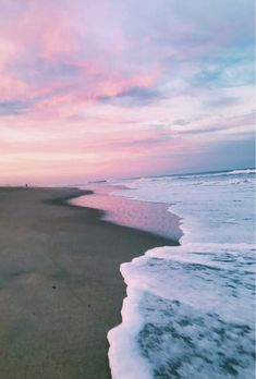 Pin by grace maher on aesthetic summer vibes, beach aesthetic, summer. Aesthetic Pastel Wallpaper, Aesthetic Backgrounds, Aesthetic Wallpapers, Ocean Wallpaper, Summer Wallpaper, Nature Wallpaper, Beach Pictures, Cool Pictures, Beautiful Pictures