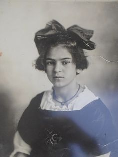 famous people when they were young.  frida, you were always so sensational.