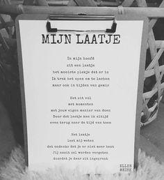 Een mooi gedichtje | kijk voor meer gedichten over rouw en verlies op www.rememberme.nl #gedicht #gedichten #rouw #verlies #afscheid #verdriet #uitvaart Down Quotes, Words Quotes, Sayings, Sad Words, Cool Words, Love Life Quotes, Quotes To Live By, Bullet Journal Quotes, Happiness Project