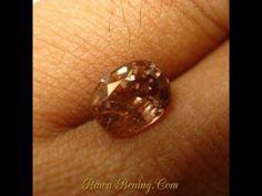 Batu Permata Zircon Alami Pinkish Orange Oval Cut 2.52 carat