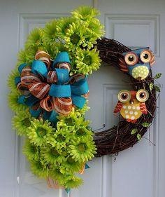 Lime Green Gerber Daisy Owl Burlap/Mesh Wreath
