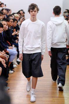 Comme des Garçons Shirt Spring 2019 Menswear Fashion Show Men Fashion Show, Mens Fashion Week, Fashion Show Collection, Fashion News, Men's Fashion, Street Fashion, High Fashion, Comme Des Garçons Shirt, Spring Shirts