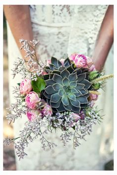 #Succulents in a bouquet! #wedding #trends #DIY #bouquet