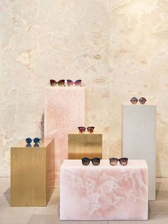 Retail interior design - Studio Giancarlo Valle Designs Linda Farrow's First US Store in SoHo, New York City – Retail interior design Retail Interior Design, Retail Store Design, Retail Stores, Visual Display, Display Design, Design Shop, Design Design, Linda Farrow, Soho