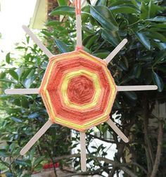weaving sun craft - great activity for a little down time this summer