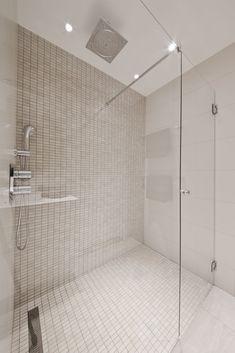 Vakkert baderom med flotte fliser. Flislagt av Flotte Bad AS, Oslo #flottebad #baderom #bathroom #fliser #tiles #badrum